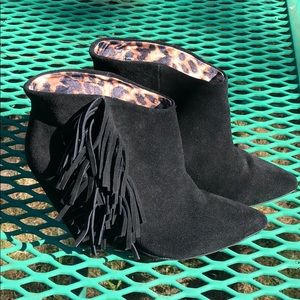 Betsey Johnson black side leather wedges/boots
